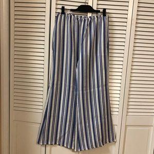 Pants - NWOT White Wide Leg Pants w/ Blue Stripes